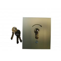 Poussoir extérieur à clé Gebe (encastré)